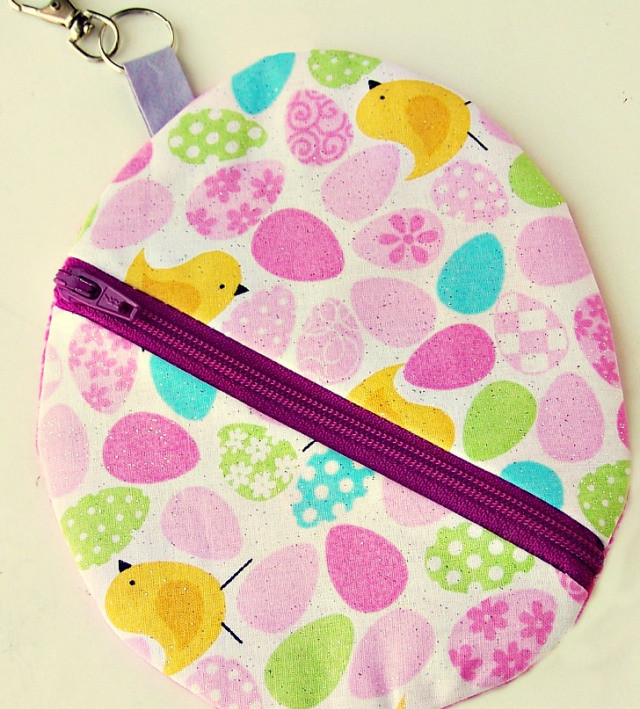 Easter-Egg-Pouch-with-key-holder-2